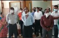 नागपूरात महापालिका कर्मचाऱ्यांचे कामबंद आंदोलन