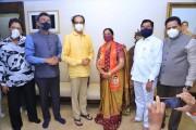 अपक्ष आमदार गीता जैन यांचा 'मातोश्री' वर मुख्यमंत्री उद्धव ठाकरेंच्या उपस्थितीत शिवसेनेत प्रवेश