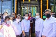 मुख्यमंत्री उद्धव ठाकरे यांच्या हस्ते मुंबई मध्ये 26 इलेक्ट्रिक बसेसचे लोकार्पण