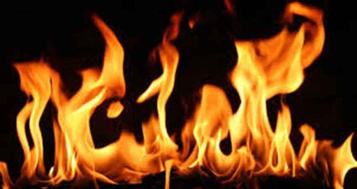 अपघातानंतर बसला लागलेल्या आगीत 27 मृत्यूमुखी