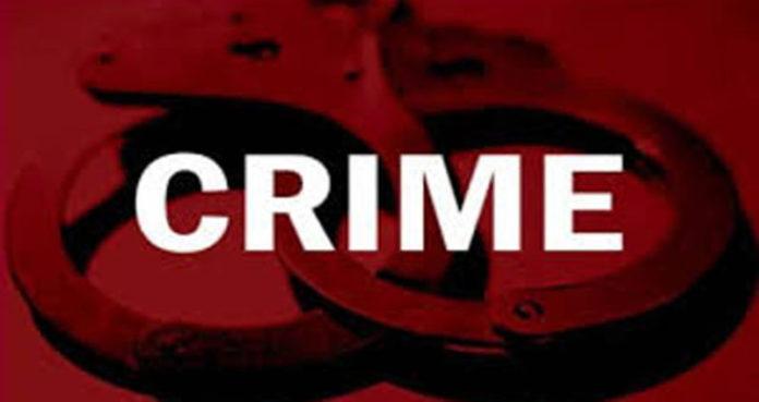 बलात्कारातील 17 आरोपींना कोर्टाच्या आवारात वकिलांकडून मारहाण