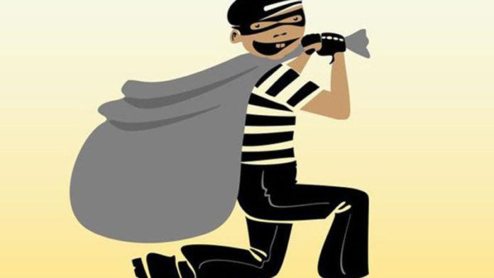 धक्कादायक! महागड्या कपड्यांसाठी चोरी करणाऱ्या भावांना अटक