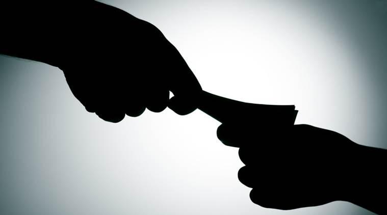 स्वयंघोषित भ्रष्टाचार निर्मूलन संस्थांना धर्मादाय आयुक्तांचा चाप!
