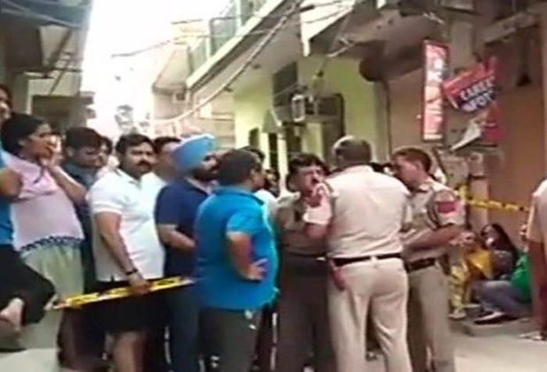 दिल्लीत एकाच घरात आढळले 11 मृतदेह