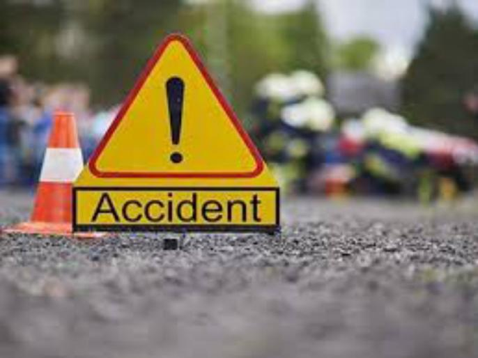 Three succumbs to death in car-truck accident