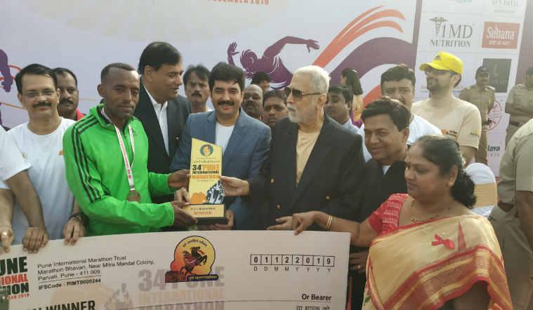 पुणे आंतरराष्ट्रीय मॅरेथॉन स्पर्धेत इथिओपियाचा सोलोमन विजेता