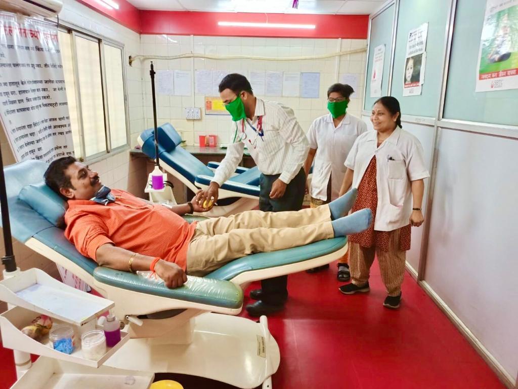 'मी शिवसैनिक, मी रक्तदाता', मोहिमेला आजपासून प्रारंभ