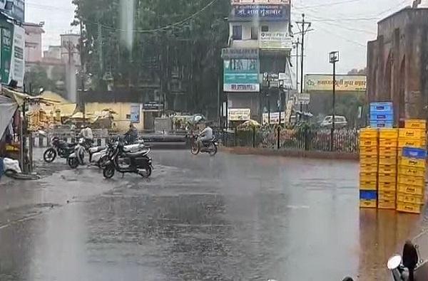 दुष्काळात तेरावा: पुण्यासह राज्यातील अनेक भागात पाऊस