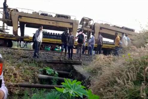 अंबरनाथ-बदलापूर रेल्वे स्थानकादरम्यान अपघात, एकाचा मृत्यू   Accident  between Ambernath-Badlapur railway station, one killed